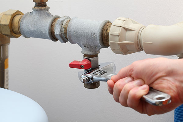 When Seconds Count: Seven Steps to Handling a Pipe Burst In Your Home